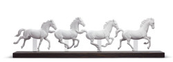 Casa Padrino Luxury Porcelain Sculpture Galloping Horses White / Black 81 x H. 23 cm - Luxury Collection