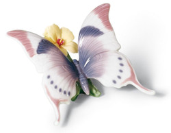 Casa Padrino Luxury Porcelain Butterfly Figurine / Sculpture Multicolored 11 x H. 6 cm - Luxury Quality