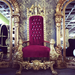 Majestic Harald Glööckler Luxury Baroque Throne Armchair Pompöös by Casa Padrino Lion Bordeaux / Gold