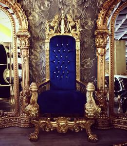 Majestätischer Harald Glööckler Luxus Barock Thron Sessel Pompöös by Casa Padrino Lion Royalblau / Gold – Bild 1