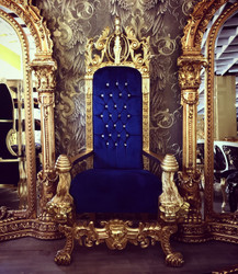 Majestic Harald Glööckler Luxury Baroque Throne Armchair Pompöös by Casa Padrino Lion Royal Blue / Gold