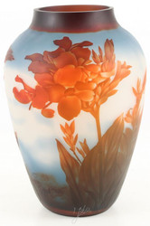 Casa Padrino Glass Vase Red Flowers White / Multicolored Ø 23.3 x H. 33.2 cm - Luxury Cameo Glass Decorative Flower Vase