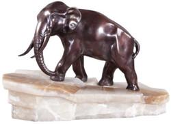 Casa Padrino Luxus Bronzefigur Elefant auf Marmorsockel Bronze / Weiß 44 x 19 x H. 30 cm - Luxus Qualität
