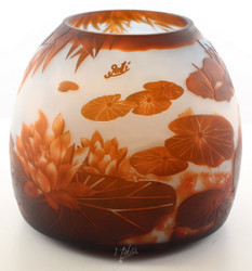 Casa Padrino Luxury Glass Deco Vase Lily Pond Multicolor Ø 29.2 x H. 24.5 cm - Cameo Glass Flower Vase