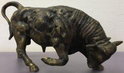Casa Padrino Luxus Bronzefigur Stier Bronze / Gold 38 x 13 x H. 23 cm - Luxus Dekofigur