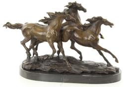 Casa Padrino Luxus Bronze Skulptur Gallopierende Pferde Bronze / Gold / Schwarz 45,1 x 18 x H. 27 cm - Elegante Dekofigur