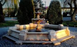 Casa Padrino Baroque Fountain / Garden Fountain Boy with Goldfish Gray Ø 490 x H. 190 cm - Large 3 Tier Fountain with Border