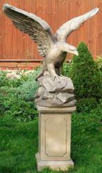 Casa Padrino Garden Decoration Sculpture Bald Eagle Gray 110 x 56 x H. 108 cm - Garden Terrace Decoration Accessories