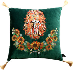 Casa Padrino luxury decorative cushion with tassels Lion Green / Gold 45 x 45 cm - finest velvet fabric - luxury quality