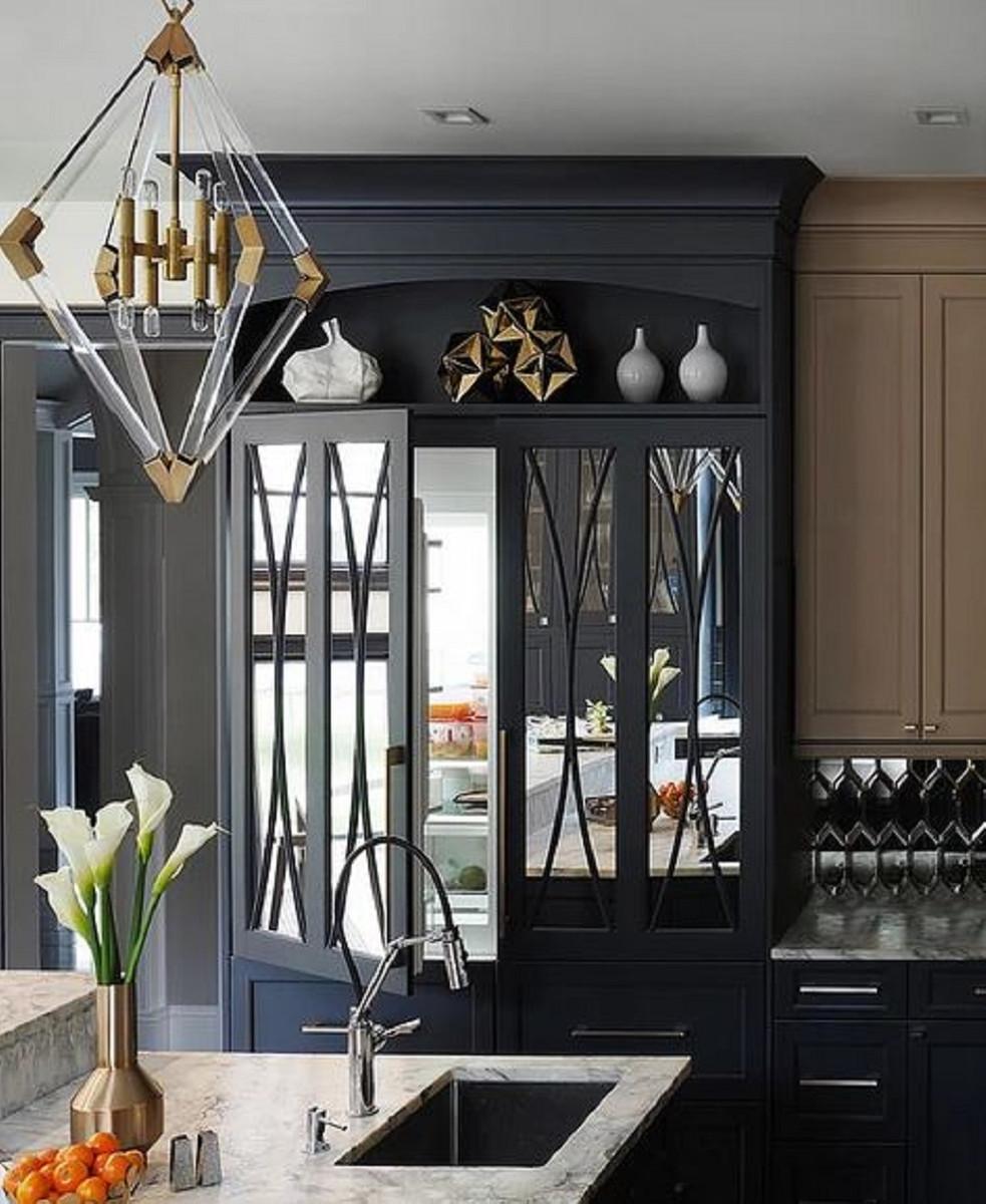 Casa Padrino Luxus Hängeleuchte Antik Messingfarben 59,7 x 59,7 x H. 83,8 cm - Pendelleuchte mit Acryl-Diamantrahmen und Metallakzenten 2