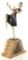 Casa Padrino Luxus Bronzefigur Ägytische Tänzerin Mehrfarbig / Beige 17 x 9 x H. 37 cm - Deko Bronze Skulptur mit Sockel