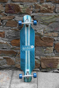 Atom Drop Through Longboard Komplettboard 39.0 x 8.7 inch Artisan Blue - Lagerware mit leichten Kratzern
