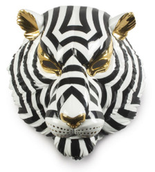 Casa Padrino Luxury Porcelain Deco Mask Tiger Black / White / Gold 30 x 23 x H. 38 cm - Modern Handcrafted Wall Deco - First Class Quality - Made in Spain
