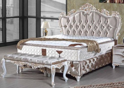 Casa Padrino baroque double bed silver / white / gold - Ornate velvet bed with rhinestones and mattress - Bedroom Furniture in Baroque Style