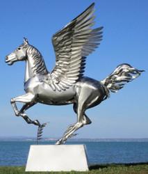 Casa Padrino luxury garden decoration sculpture Pegasus horse with pedestal silver 288 x 175 x H. 305 cm - Life size stainless steel figure - Luxury Garden Figure