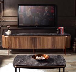 Casa Padrino Luxus TV Schrank Braun / Schwarz / Kupferfarben 208 x 48 x H. 57 cm - Fernsehschrank mit 4 Türen und Glasplatte in Marmoroptik - Luxus Wohnzimmer Möbel