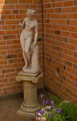 Casa Padrino Jugendstil Skulptur Venus mit Apfel Antik Stil Grau 27 x H 94 cm Antikstil - Barock Gartendeko - Schwer und Massiv
