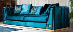 Casa Padrino Luxus Couch Türkis / Gold 260 x 90 x H. 76 cm - Edles Wohnzimmer Sofa mit dekorativen Kissen - Luxus Möbel