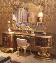 Casa Padrino Luxus Barock Schlafzimmer Set Braun / Rosa / Antik Gold - 1 Schminktisch & 1 Spiegel & 1 Hocker - Prunkvolle Schlafzimmer Möbel im Barockstil - Luxus Qualität