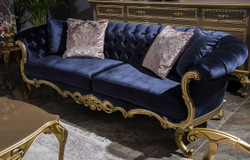 Casa Padrino luxury baroque velvet sofa royal blue / gold 240 x 82 x H. 83 cm - Magnificent living room sofa with decorative pillows - Living room furniture in baroque style
