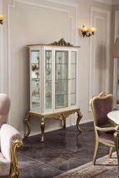 Casa Padrino Luxus Barock Vitrine Weiß / Gold 107 x 45 x H. 176 cm - Prunkvoller Vitrinenschrank mit Glastür und 3 Glasregalen - Barock Möbel