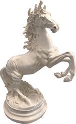 Casa Padrino Deco Sculpture Wild Horse White H. 64 cm - Elegant Resin Deco Figure - Living Room Office Deco Accessories