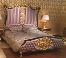 Casa Padrino Luxus Barock Doppelbett Rosa / Dunkelbraun / Gold - Edles Massivholz Bett mit Kopfteil - Prunkvolle Schlafzimmer Möbel im Barockstil