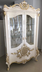 Casa Padrino luxury baroque display cabinet white / gold 130 x 50 x H. 222 cm - Magnificent showcase with 2 glass doors and 2 glass shelves - Baroque Furniture