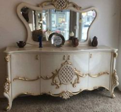 Casa Padrino luxury baroque furniture set sideboard with mirror white / gold 215 x 60 x H. 105 cm - Magnificent solid wood cabinet with 4 doors and elegant wall mirror - Furniture in baroque style