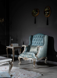 Casa Padrino luxury baroque wing chair light blue / silver / gold 77 x 80 x H. 113 cm - Living room armchair with elegant pattern and decorative pillow - Baroque living room furniture 4