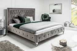 Casa Padrino Chesterfield velvet double bed silver gray / silver 190 x 215 x H. 130 cm - Solid wood bed with headboard - Chesterfield bedroom furniture