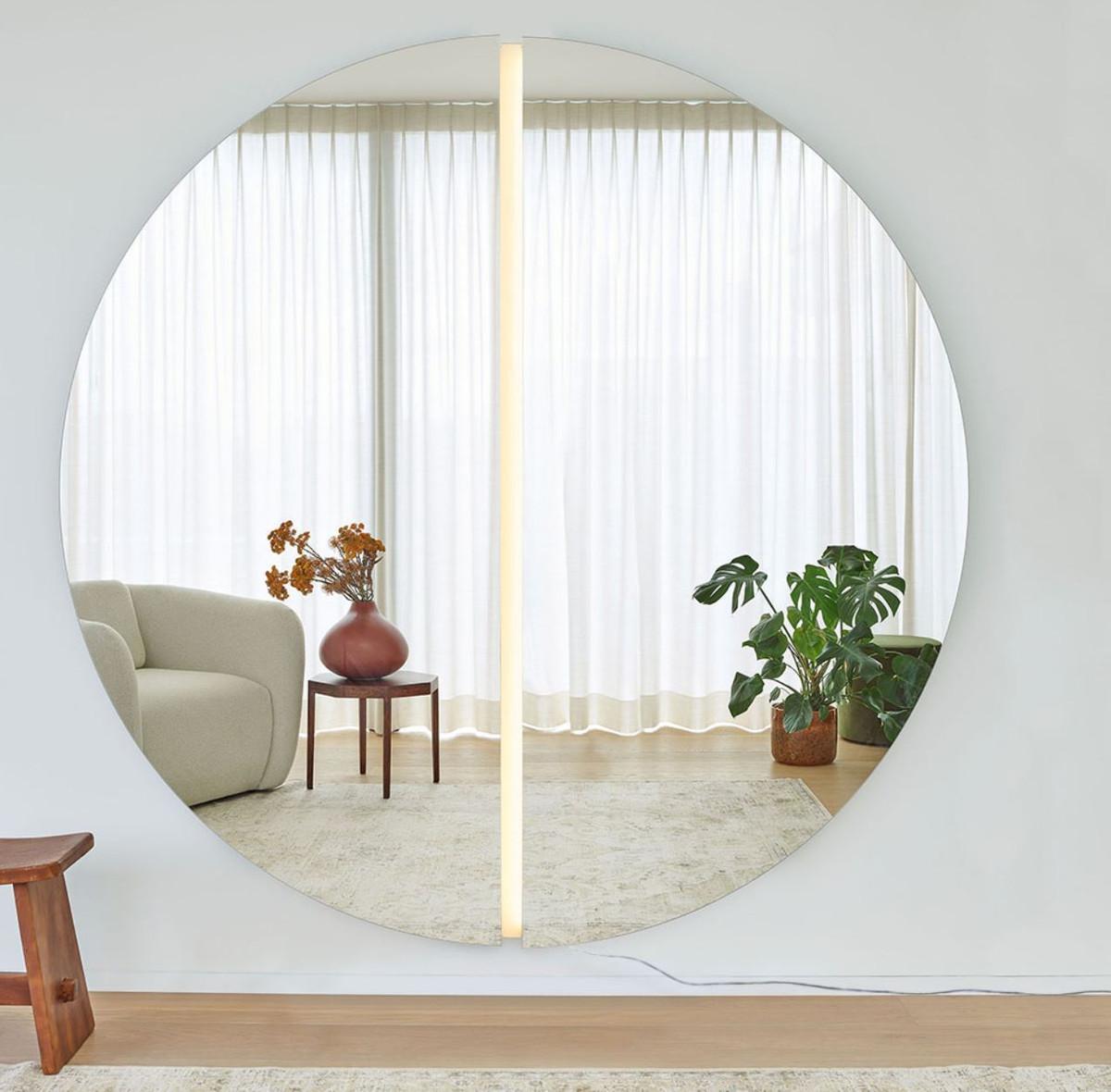 Casa Padrino Luxus Spiegel 10 x 10,10 x H. 10 cm - Runder Wandspiegel mit  LED Streifen - Wohnzimmer Hotel Restaurant Boutique Spiegel