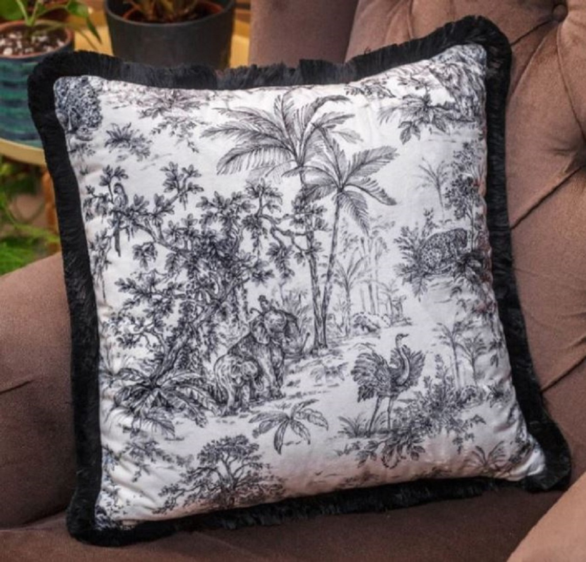 Casa Padrino Luxury Decorative Pillow Jungle White Black 45 X 45 Cm Printed Velvet Pillow With Fringes Luxury Quality