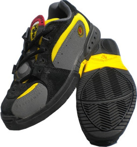 Duffs Skateboard Shoes Swiss Tech XT K9 Black/Yellow
