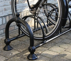 Nostalgia bicycle made of cast iron - Nouveau bike rack 2