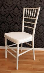 Casa Padrino Designer Acryl Stuhl inkl Sitzkissen Weiß/Weiß - Ghost Chair white - Polycarbonat Möbel - Polycarbonat Stuhl - Acryl Möbel - Geisterstuhl