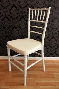 Casa Padrino Designer Acryl Stuhl inkl Sitzkissen Weiß/Creme - Ghost Chair white - Polycarbonat Möbel - Acryl Möbel - Geisterstuhl