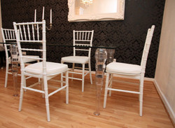 Designer Acrylic Dining Set Black / White - Ghost Chair Table - polycarbonate furniture - a table and 4 chairs - Casa Padrino