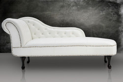 Chesterfield daybed / chaise longue from the White House home Padrino