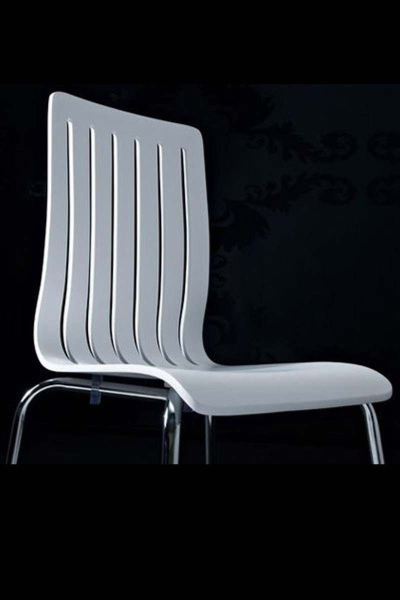 Designer stuhl aus holz und verchromtem stahl wei for Moderner esszimmerstuhl