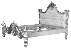 Barock Bett Barocco Weiß Satinstoff / Silber mit Bling Bling Glitzersteinen 180 x 200 cm aus der Luxus Kollektion von Casa Padrino