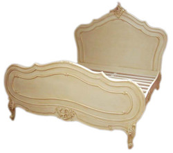 Baroque bed Maison Paris antique cream 180 x 200 cm from the luxury collection of Casa Padrino