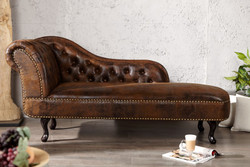 Chesterfield chaise longue / lounge chair antique brown from the house Casa Padrino - living room divan