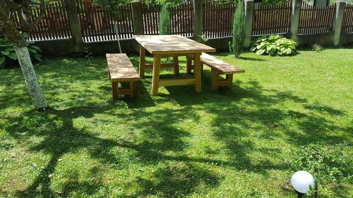Casa Padrino meubles de jardin - Table rustique + 2 Bancs de jardin  (Longueur: 200 cm) - Chêne bois massif - véritables meubles en bois massif