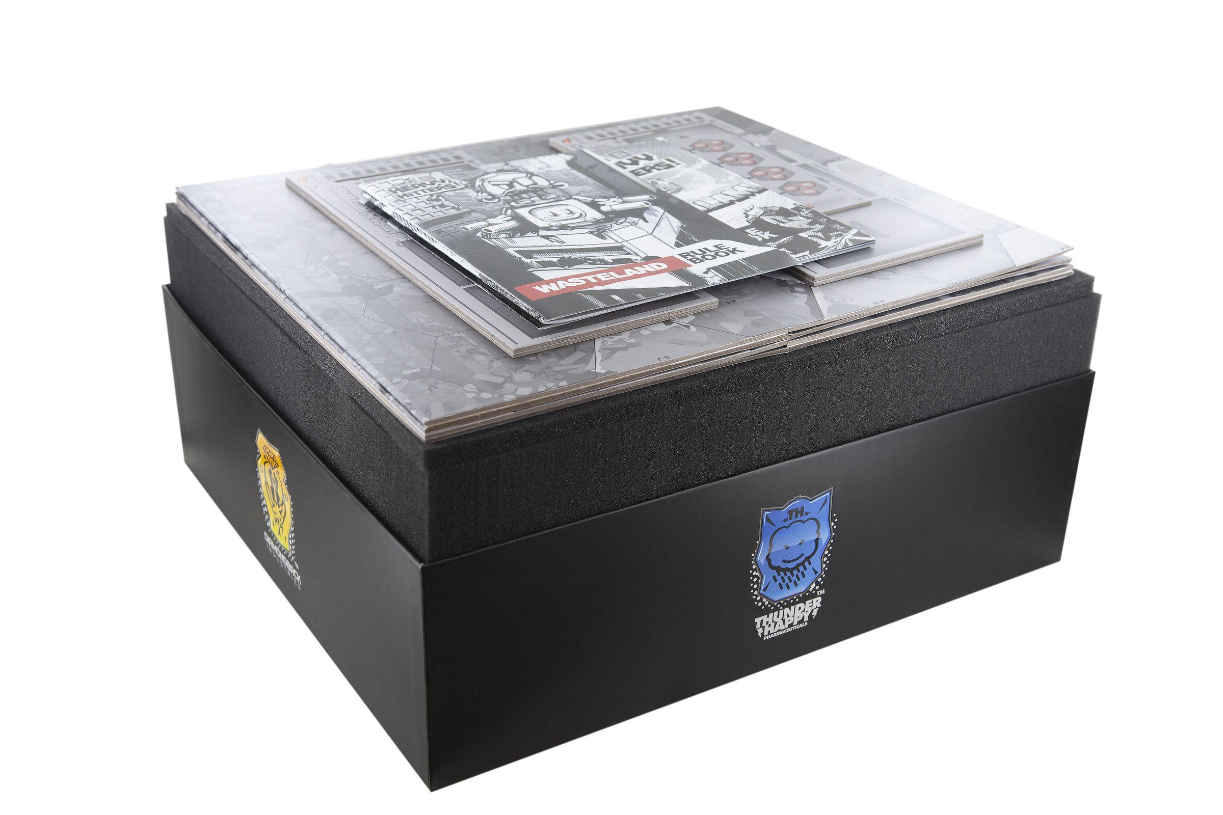 Feldherr foam tray set for Heavy Hitters board game box