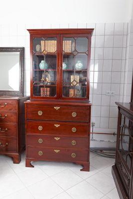 "Aufsatzschreibschrank, sog.     ""Secretaire Bookcase"", Mahogany, George III – Bild 1"