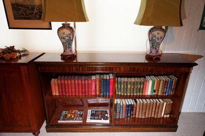 Offenes Bücherregal aus Mahagoni – Bild 1