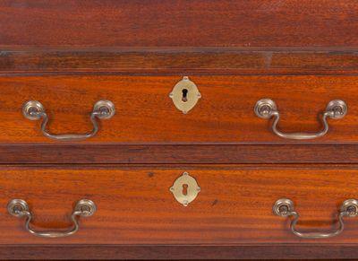 A rare and small Bureau Cabinet, Mahohany, George IV,England ca. 1830 – Bild 8