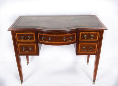 Inlaid Bowfront Writing Table; Mahogany, Edwardian, England ca. 1900 – Bild 1
