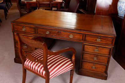 Partner´s Desk, Mahogany